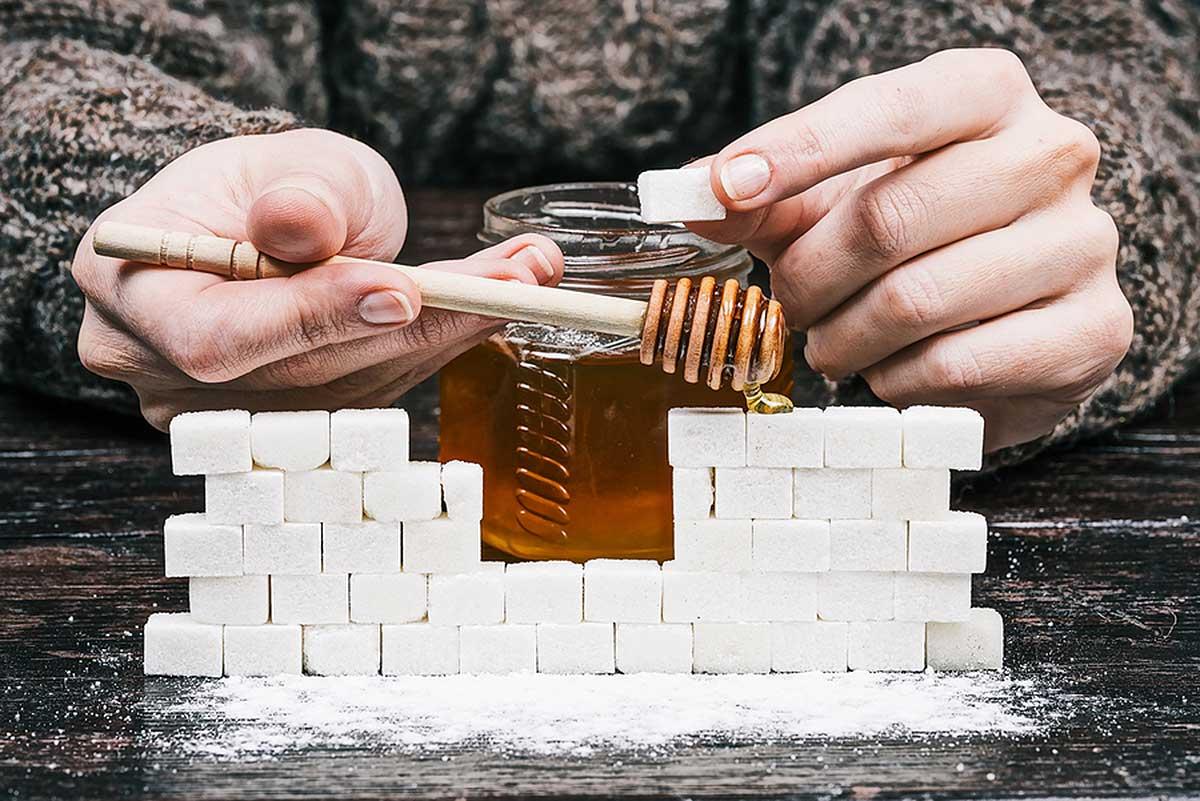 Сколько сахара содержится в меде?